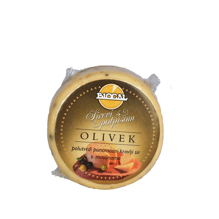 Ser krowi półtwardy z oliwkami (Polutvrdi punomasni kravlji sir s maslinama) 350-450 g
